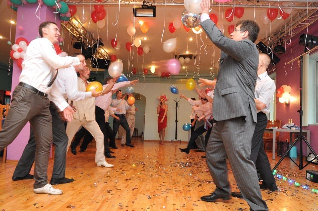 Конкурсы с шариками на свадьбе