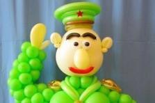 """Фигура """"Генерал"""" из воздушных шаров"""