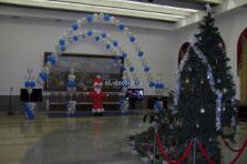 Ярославский вокзал,украсили воздушными шарами зал Устюгожидания. Отправляли детишек в Великий
