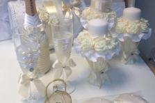 Кремовый комплект на свадьбу :семейный очаг, семейный банк, бокалы, шампанское, свидетельство и книга пожеланий