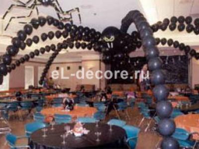 Гигантский паук из воздушных шаров