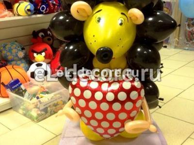 """Фигура из воздушных шаров """"Влюбленный ежик"""