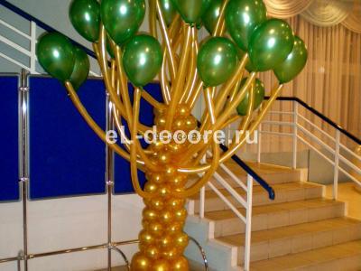 Фигура из воздушных шаров Дерево