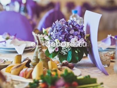 Цветочная композиция на столы для гостей