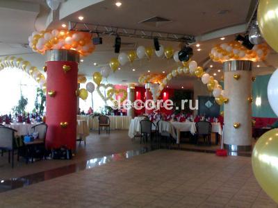 """Свадебное оформление шарами в ресторане """"Алые паруса"""""""