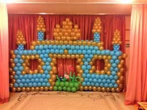 Композиция Замок на выпускной в детском садике