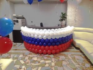 """Панно из шаров """"Флаг России"""""""